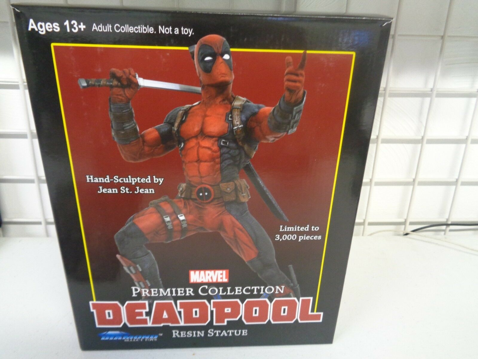 DIAMOND SELECT TOYS MARVEL PREMIER COLLECTION RESIN STATUE DEADPOOL 1463 3000