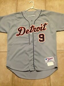 2002 GAME WORN USED DAMIAN EASLEY DETROIT TIGERS ROAD JERSEY 48