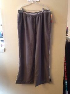 NWT-Champion-gray-full-mesh-lined-track-pants-size-XL