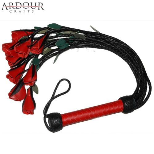 Genuine Cow Hide Leather Flogger 09 Tressé Queue avec rose rouge /& vert pétales