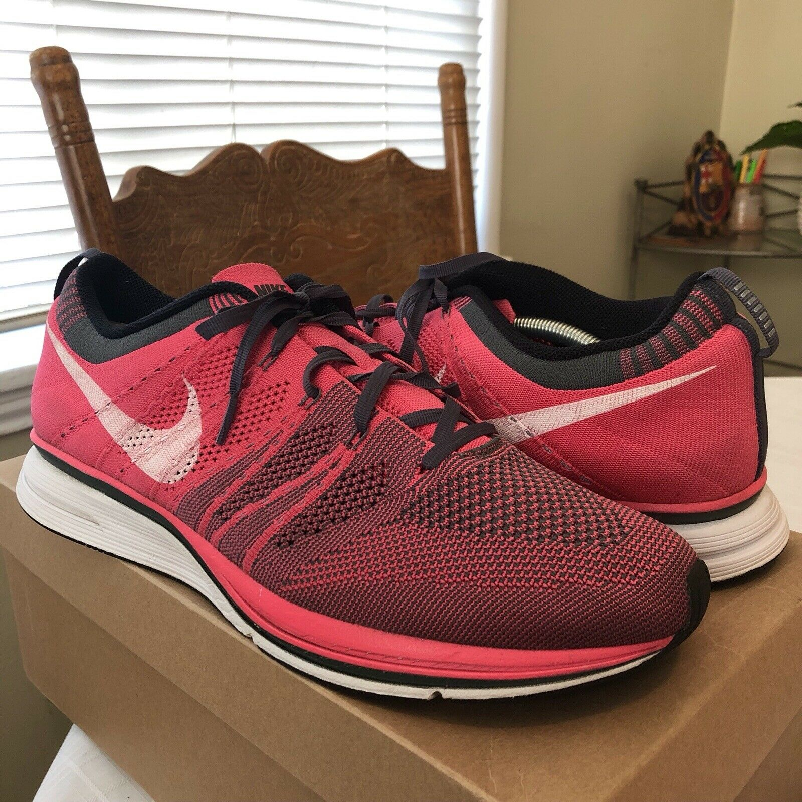 Nike 2013 Flyknit Trainers Trainer size 13 Pink bluee Running Racers shoes Fit