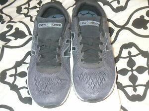 White Shoes Sz.9.5 4E MARISCB1