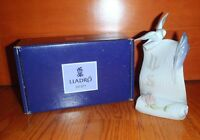 Lladro Collectors Society 7677 Porcelain Art Brings Plaque W/ Dove Box