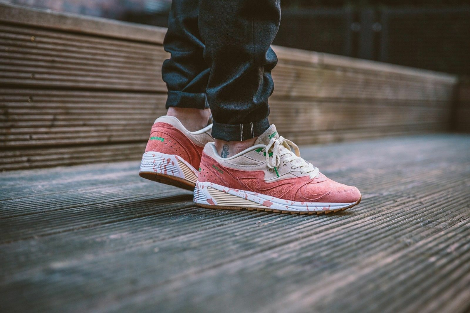 Saucony Grid 8000 CL Shrimp Scampi Lobster S70262-1 Pink