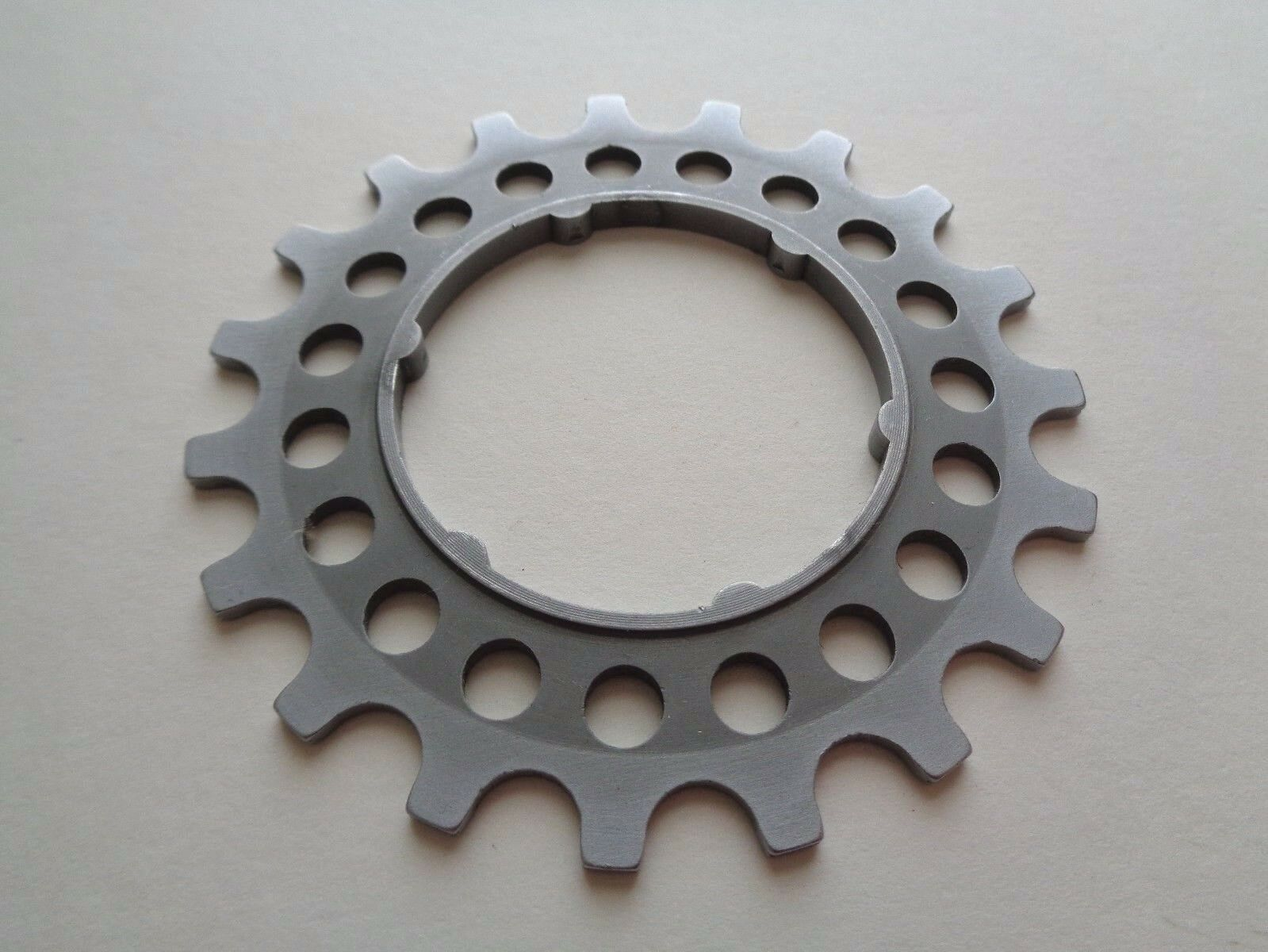 NOS Vintage 1980s Campagnolo DE19 Aluminium 19t Italian freewheel cassette Cog