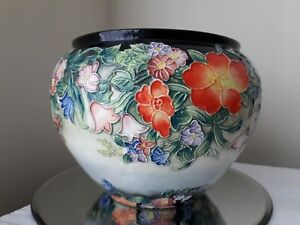Hand-painted-floral-tube-lined-pottery-planter-vintage-in-good-condition