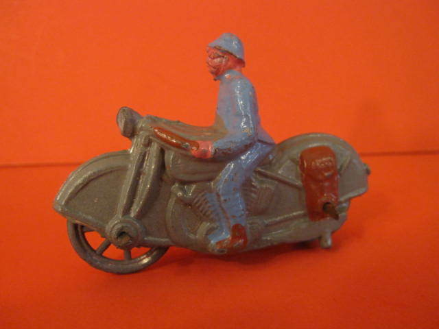 ALL ORIGINAL CD WW1 MOTORCYCLE WITH SOLDIER FRANCE HOLLOW LEAD 1930