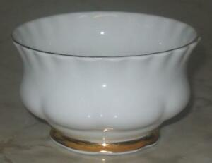 Vtg-Royal-Albert-Val-D-039-or-open-Sugar-Bowl-Bone-China-England-White-with-gold-rim