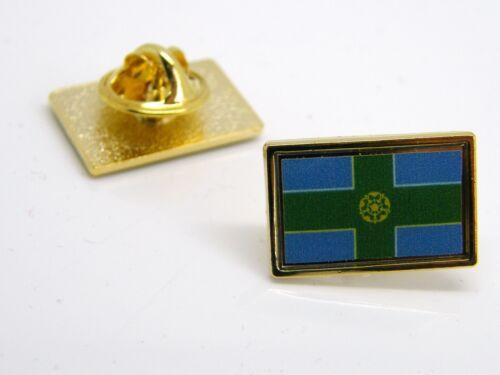 DERBYSHIRE DERBY FLAG LAPEL PIN BADGE GOLD TONE NOVELTY VELVET GIFT POUCH
