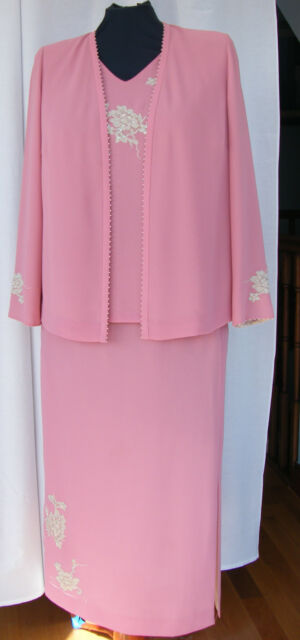 JACQUES VERY CLOVER PINK CREPE OYSTER & PEARL APPLIQUÉD SKIRT TOP & JACKET T1C