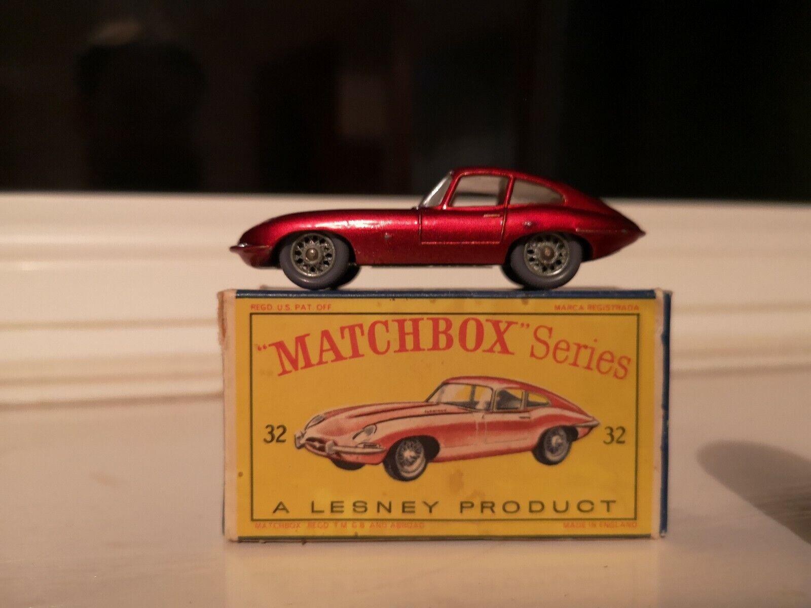 ORIGINALE, in scatola, LESNEY MATCHBOX e Tipo Jaguar No.32. ottime CONDIZIONI.
