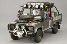 Kyosho 1/18 Land Rover Defender movie edition Corris Grey Tomb Raider KSR08902TR
