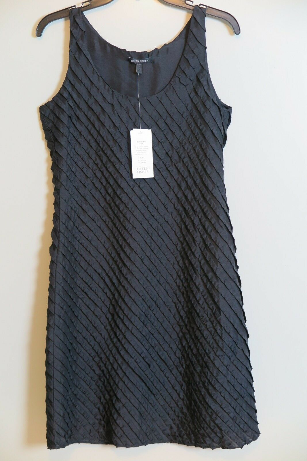 NWT Eileen Fisher schwarz Ruffled Silk Scoopneck Tank Dress Größe 2 MSRP