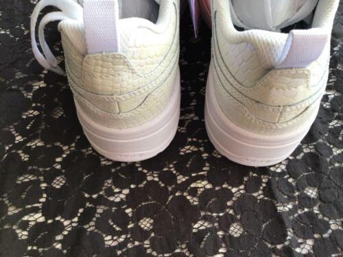 Woman's  DC shoes ETribrkaplatform SE size7 Ice-Zebra