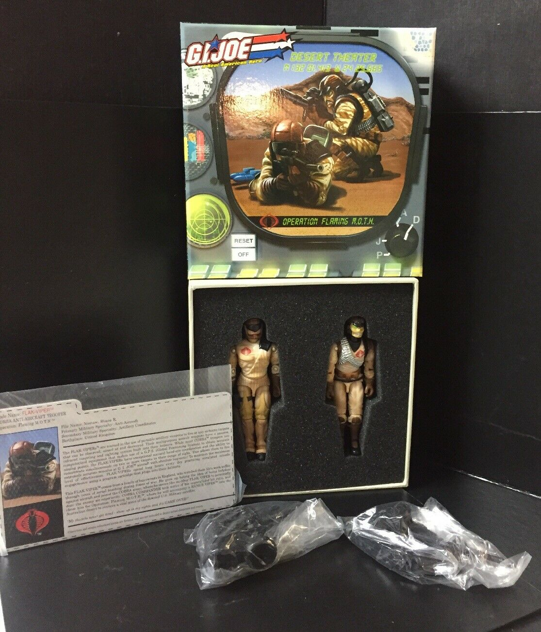 2006 Desert Theater G.I. Joe Collector's Club Flaming M.O.T.H. 2 Figure Set