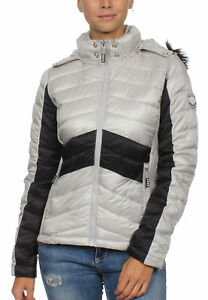 sports shoes 55eaa 1e81e Details zu Superdry Jacke Damen OFFSHORE LUXE CHEVRON FUJI Smokey Quartz  Black