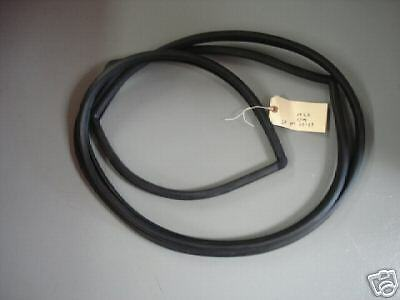 63-64 Chevy Impala 2-Dr Hardtop//Conv Windshield Rubber