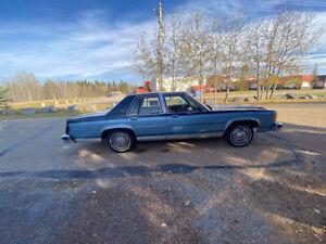 1982 Ford Crown Victoria LTD
