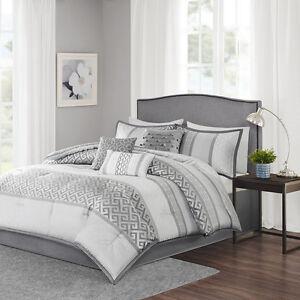 beautiful modern chic elegant geometric light grey charcoal silver comforter set ebay. Black Bedroom Furniture Sets. Home Design Ideas