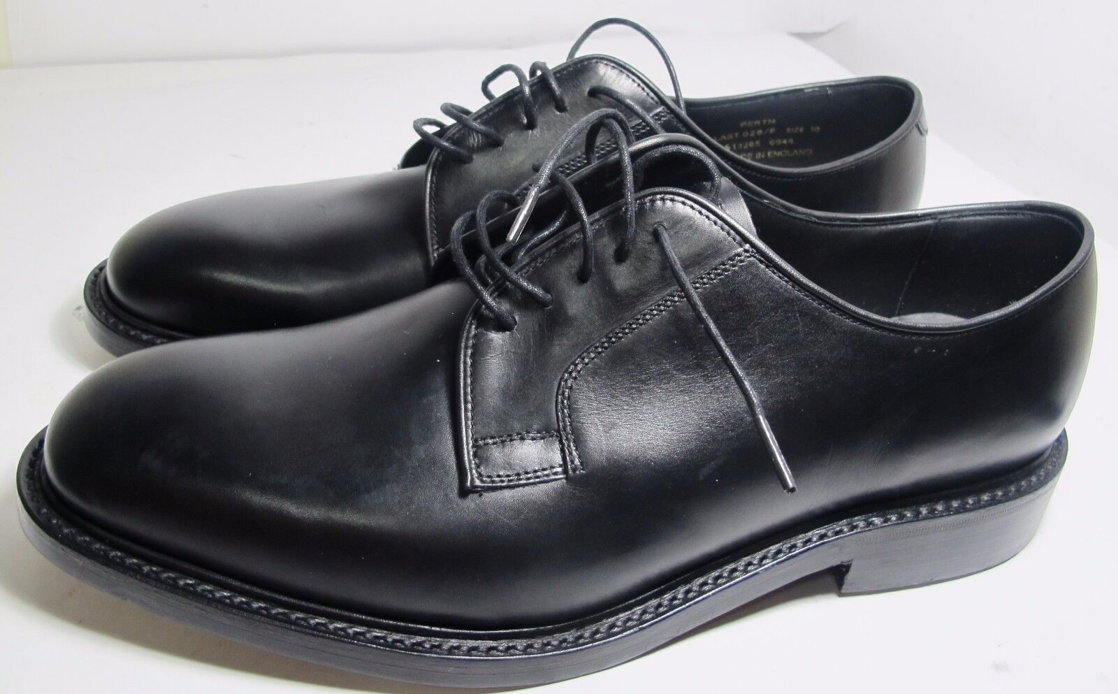 Loake Perth Black Plain Fronted shoes 10 F - New Slight Seconds   (3207)