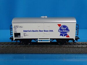 Marklin-4569-DB-Reefer-BEER-Car-PABST-Blue-Ribbon