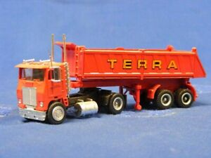 Concor-1015-COE-Tractor-with-Short-Dump-Trailer-TERRA-1-87-plastic-MIB