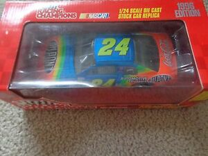 Jeff-Gordon-1-24-scale-die-cast-Racing-Champions-car-1996-edition-NEW