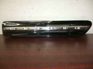HOLDEN-STATESMAN-CAPRICE-WM-WN-RIGHT-INDICATOR-FOG-SIDE-GUARD-FLASHER-REPEATER