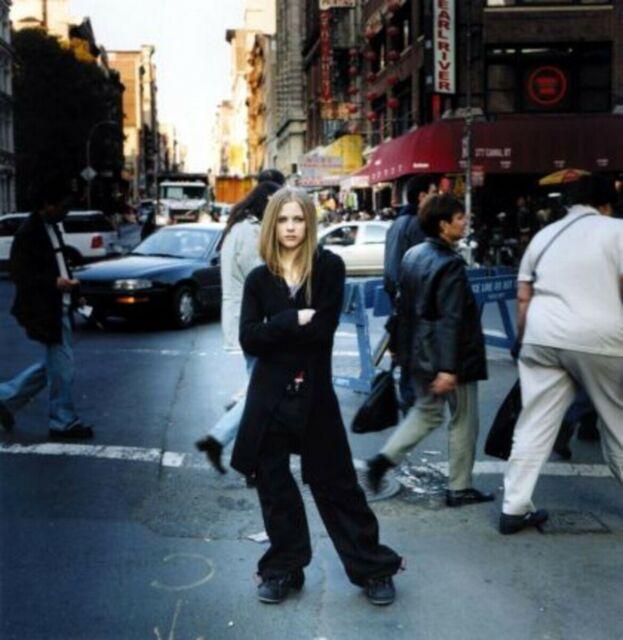 Avril Lavigne - Let Go (2002, Cassette) | Discogs