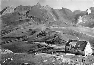 BT5602-Le-Col-D-Aubisque-arrivee-au-col-depuits-argeles-France