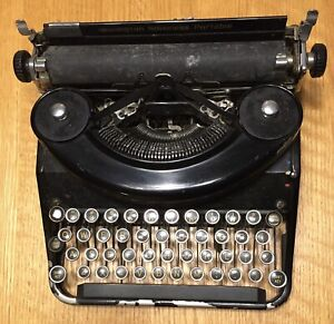 Unrestored Vintage Remington Rand Noiseless Portable TYPEWRITER Antique