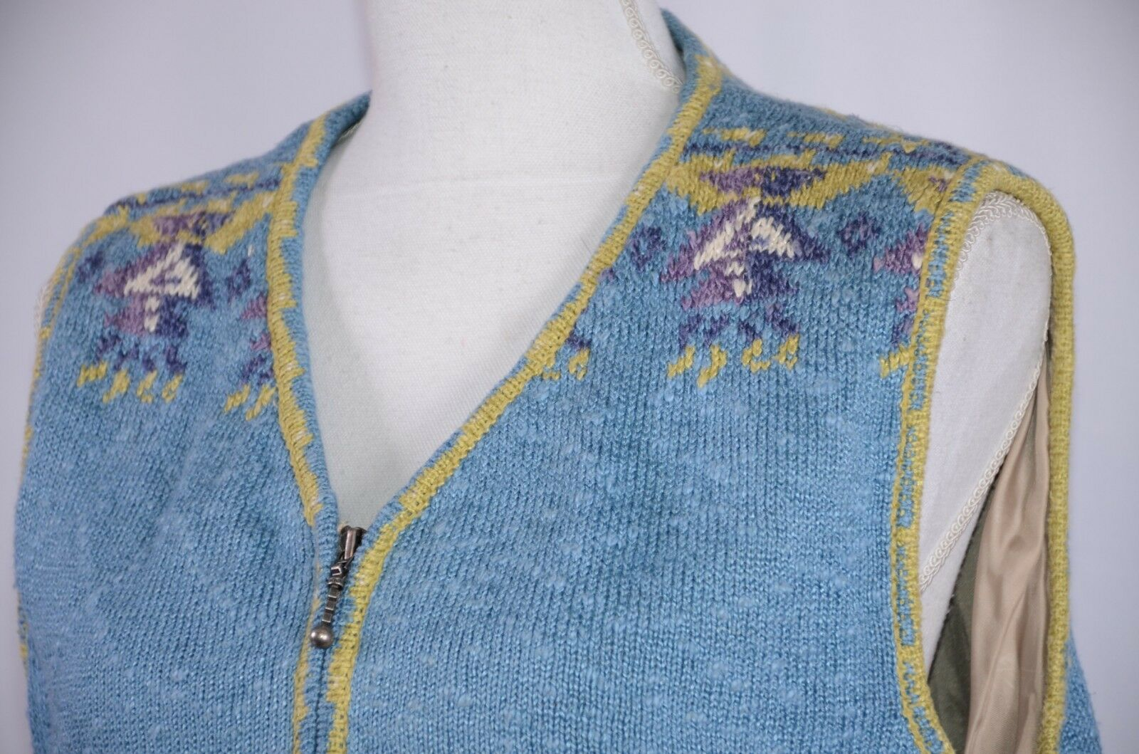 f9d978ade027b Icelandic Design Women's Vest Size Large Lined Knitted colorful Full Zip  Horses