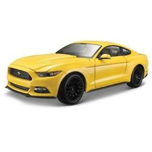 Riproduzione-FORD-MUSTANG-2015-GIALLA-scala-1-18-Die-Cast-metal-MAISTO-31197