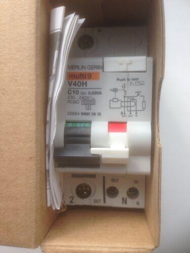 V40H 1N10-10A 30mA  RCD//MCB Merlin Gerin Multi 9-26894 New