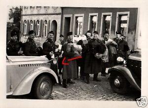 16493-Originalfoto-6x9cm-Kraftfahrer-Fahrzeuge-Kleidersammlung-ca-1935