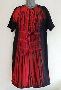 Victoria-Beckham-femme-noir-rouge-a-motifs-manches-courtes-Shift-Robe-taille-UK-10
