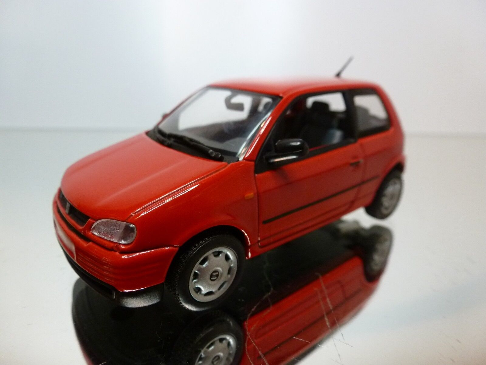 MINICHAMPS SEAT Apink 1997 - - - RED 1 43 - EXCELLENT CONDITION - 13 9 2493da