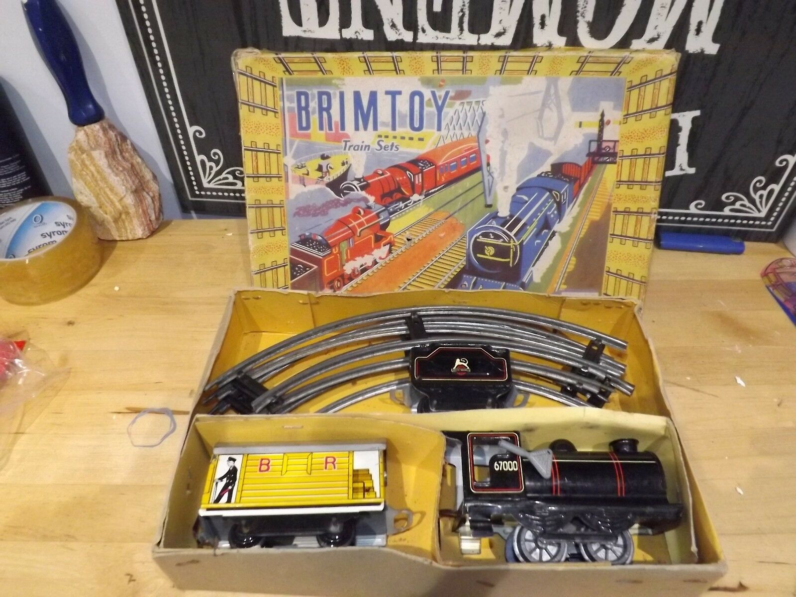 VINTAGE BRIMTOY O GAUGE TINPLATE MODEL No.306 PASSENGER TRAIN SET minic