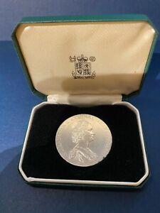 Vintage-QEII National Trust-Argent Massif Médaille en cas-Excellent