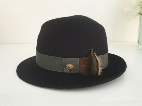 Abile Christy's Of London Cappello Nero 100% Lana Taglia M