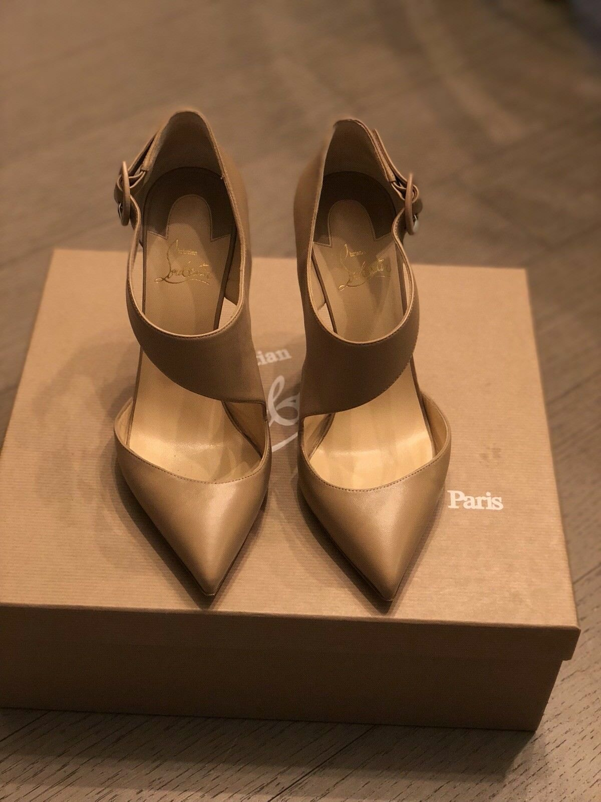 Christian Louboutin Nude Sharpeta 39.5 - Excellent Condition Condition Condition - Worn for 2 hrs a49ec4