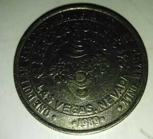 One-Dollar-Gaming-Token-Circus-Hotel-Casino-Las-Vegas-Nevada-1989-Clown-Silver