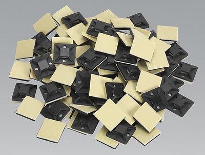 Supporto per base autoadesiva a fascetta da 100 pezzi 20 x 20 x 6 mm.