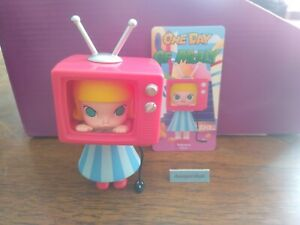 POP MART x KENNYSWORK One Day of Molly Mini Figure Reading Time Designer Toy New