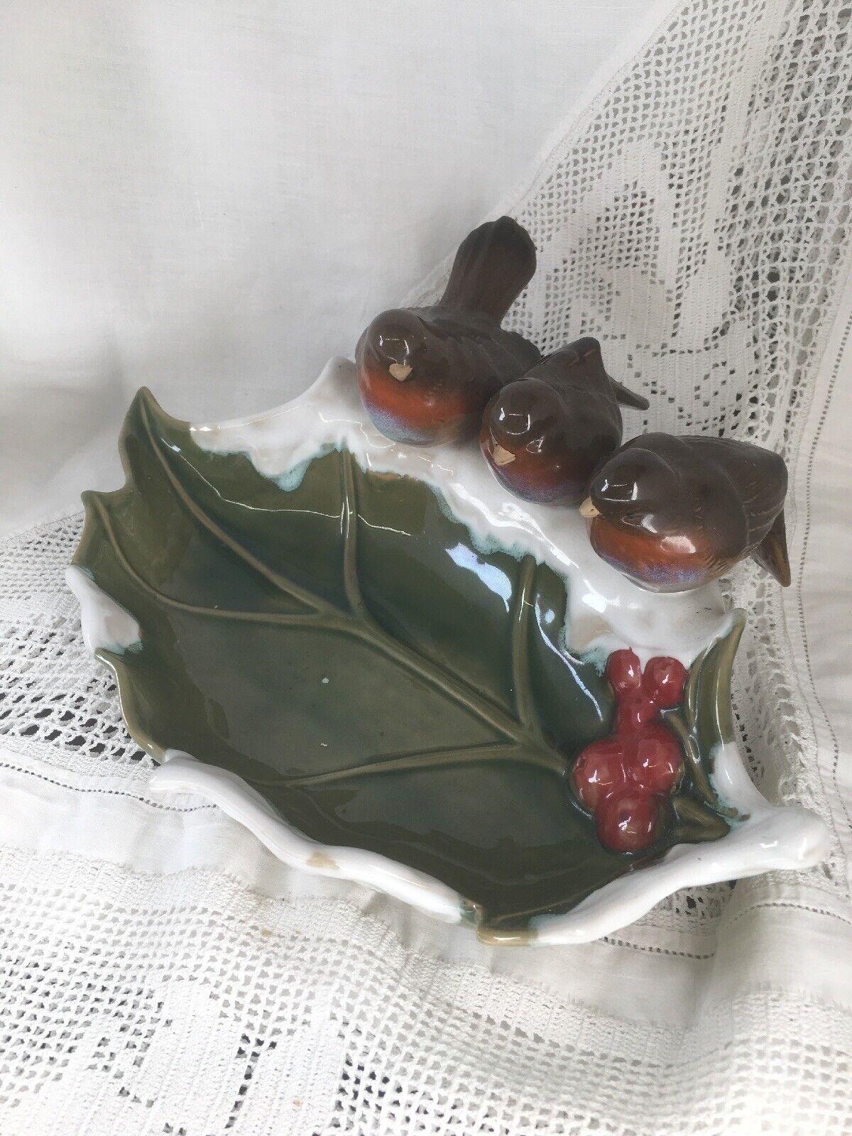 Stunning Ceramic Serving Dish  3 Robbins  & Holly Dish Christmas