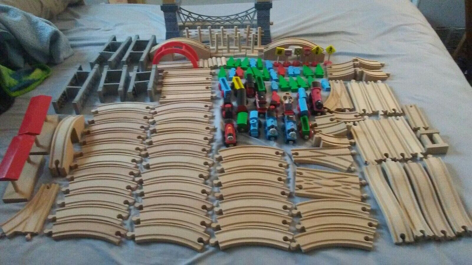 Thomas and others Wooden Trains Tracks  Extra Parts Pieces Railway Train Bridge