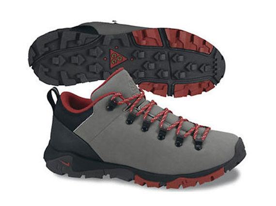 Nike ACG Air Arabak Low Men's Size 9.5 Grey Red Hiking Trail 525544-002