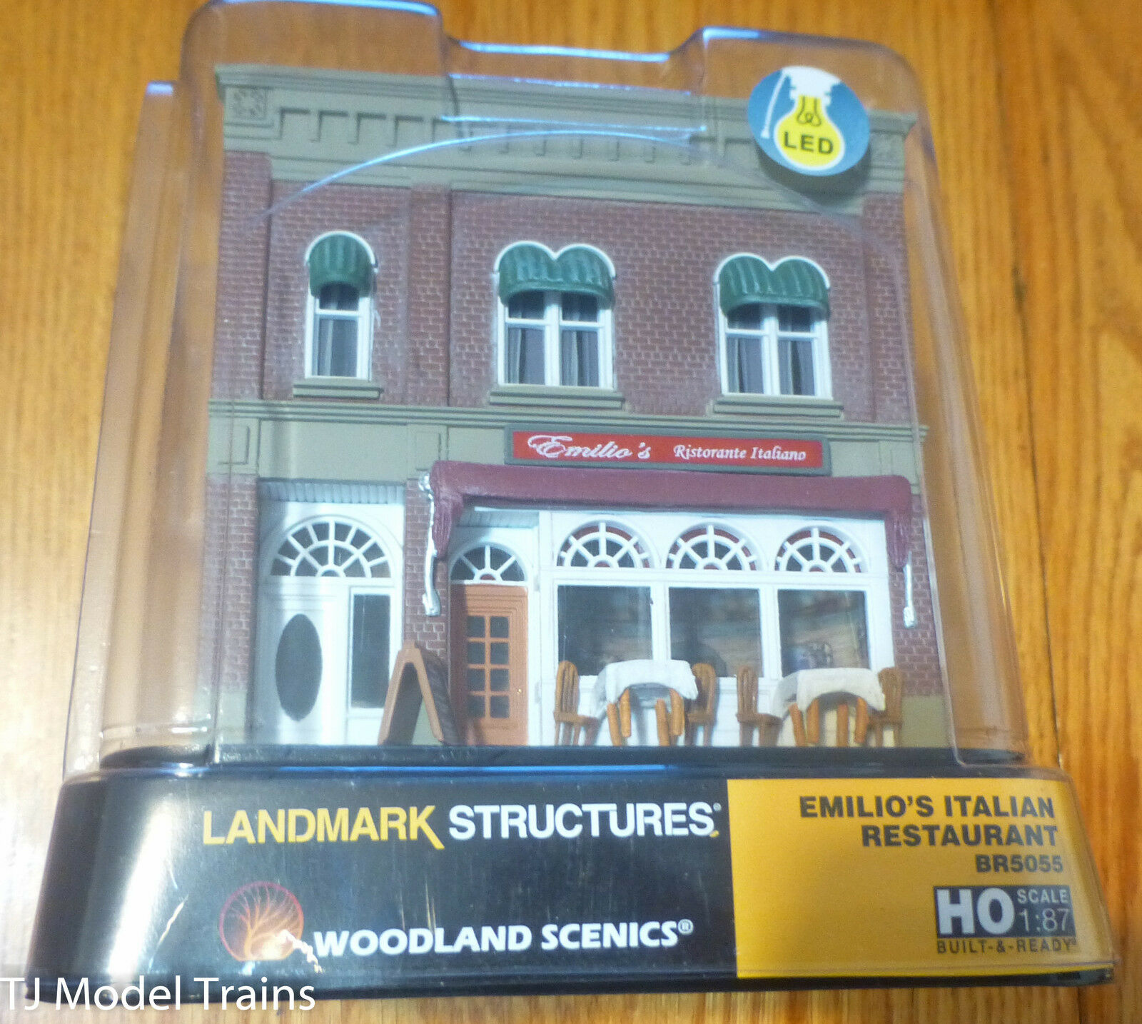 Woodland Scenics  5055 Emilio's Italian Restaurant  HO Scale  1:87th Scale