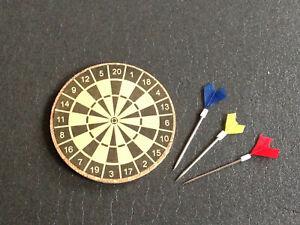 Miniatur-Dartscheibe-Darts-Diorama-Zubehoer-neu-ca-Massstab-1-12-1-10-1-8