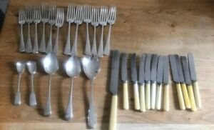 VINTAGE-JOBLOT-FAUX-BONE-HANDLE-KNIVES-SILVER-PLATED-CUTLERY-X29